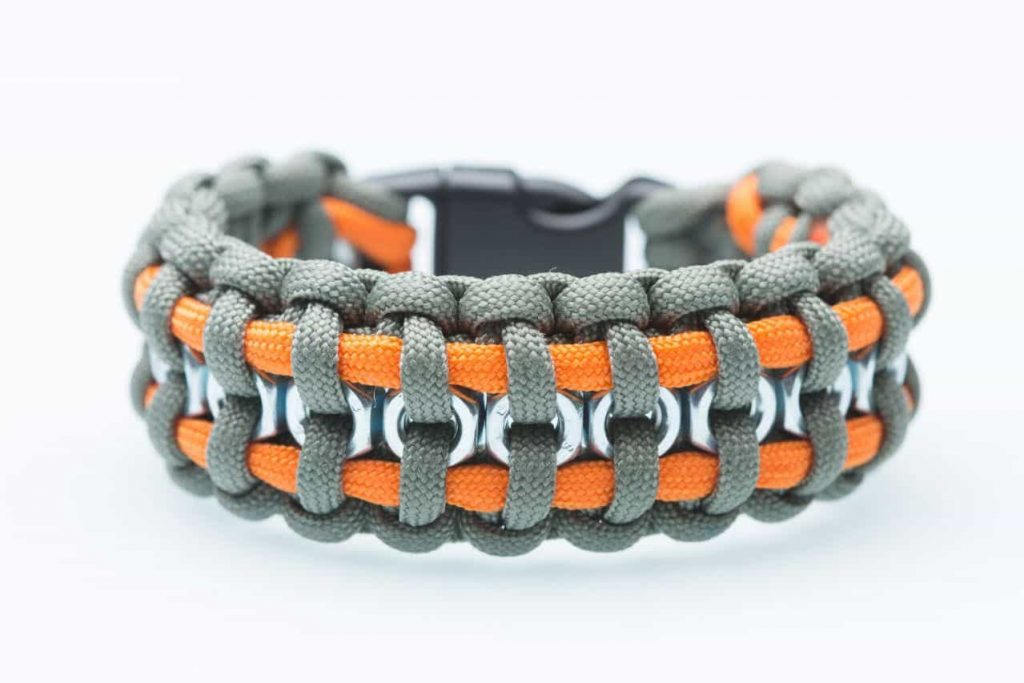 7 Ways a Free Paracord Bracelet Could Save Your Life